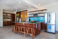Casa-Mar-Azul-DOS-kitchen-to-bdrm